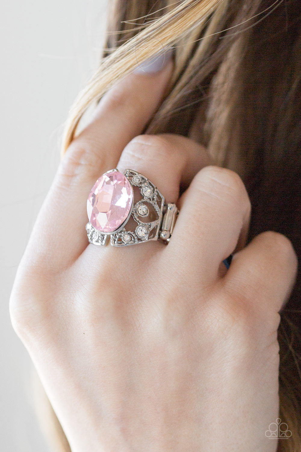 Queen of Hustle - pink - Paparazzi ring