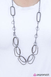Ready for the Weekend - Paparazzi Necklace