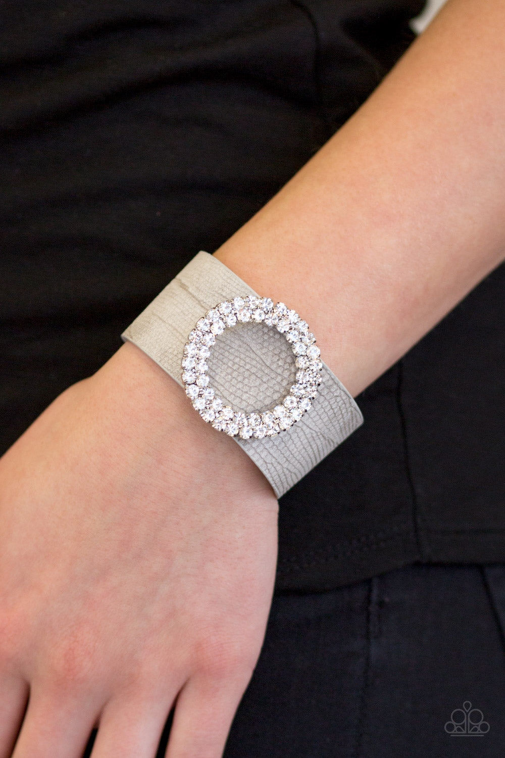 Ring in the Bling - silver - Paparazzi bracelet
