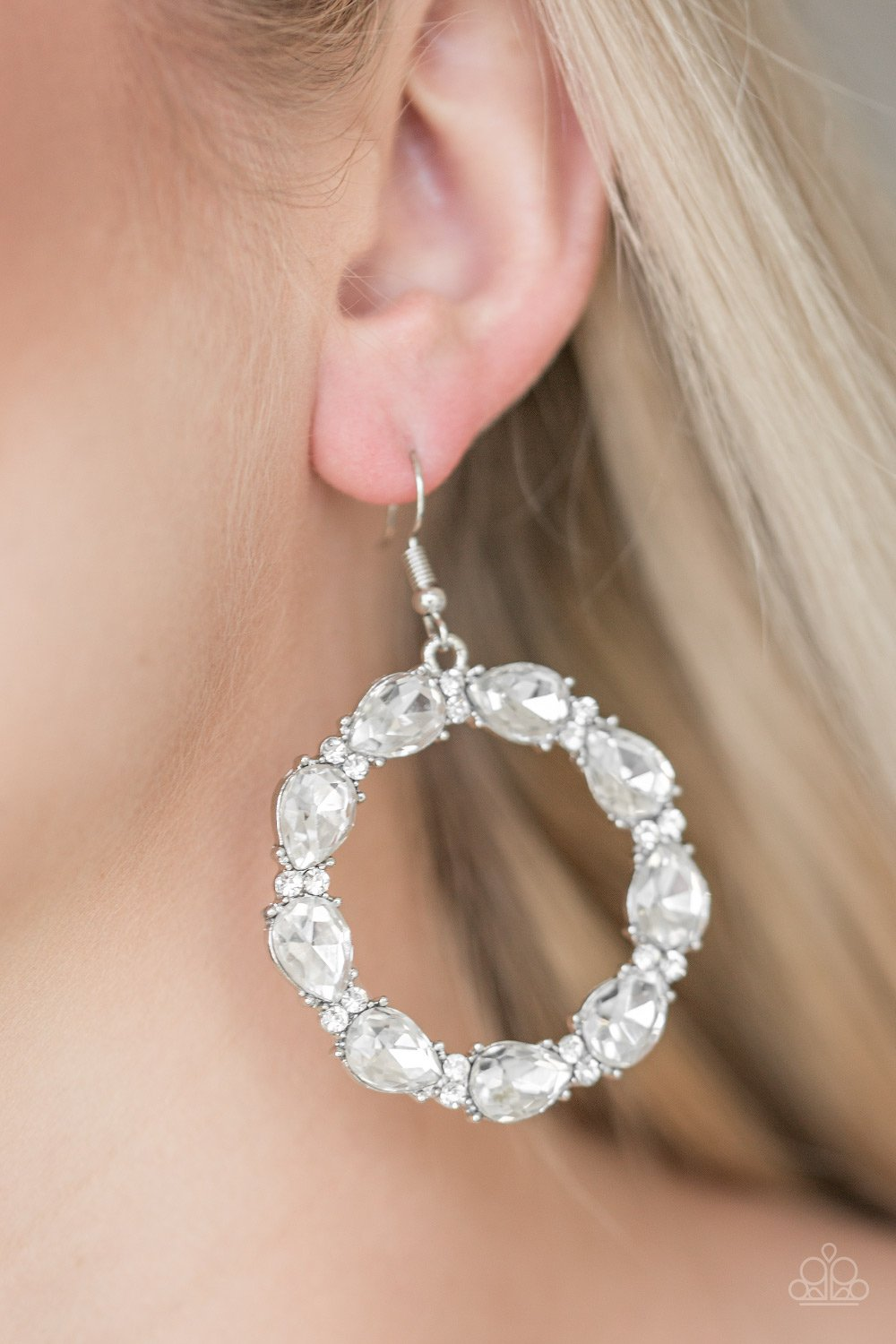 Ring Around the Rhinestones - white - Paparazzi earrings