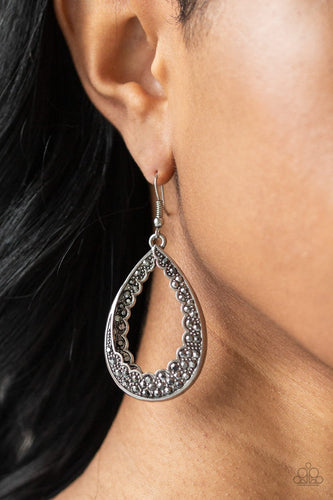 Royal Treatment - silver - Paparazzi earrings