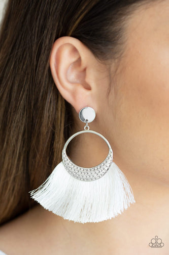 Spartan Spirit - white - Paparazzi earrings