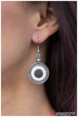 Stop BRIGHT There - white - Paparazzi earrings