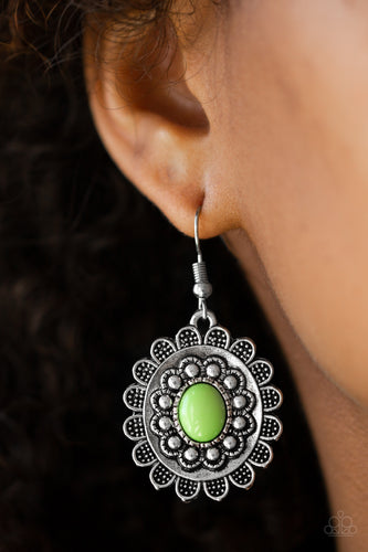 Summer Bloom - green - Paparazzi earrings