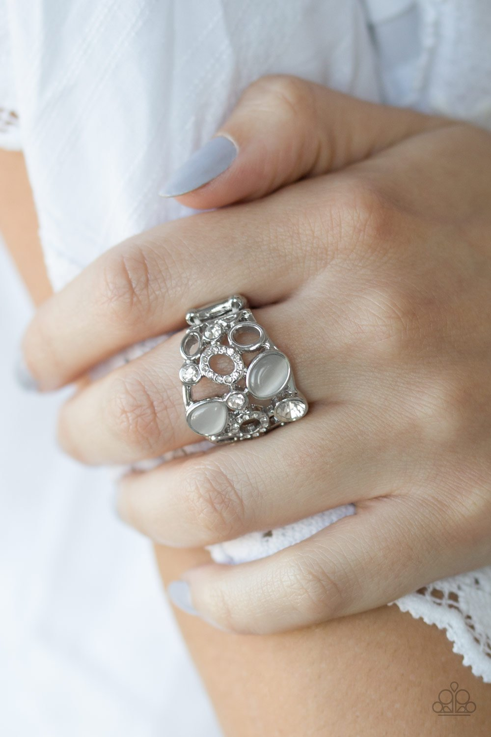 Summer Yacht - white - Paparazzi ring