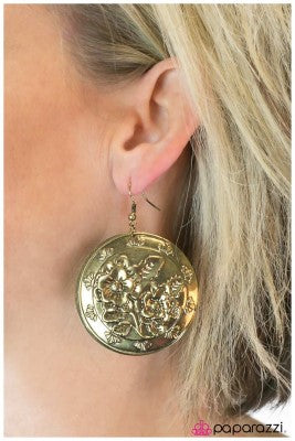 The FLORAL Of The Story Is - Paparazzi earrings