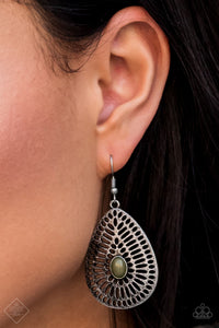 The GRATE Beyond - green - Paparazzi earrings