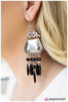 The Royal Treatment - Paparazzi earrings
