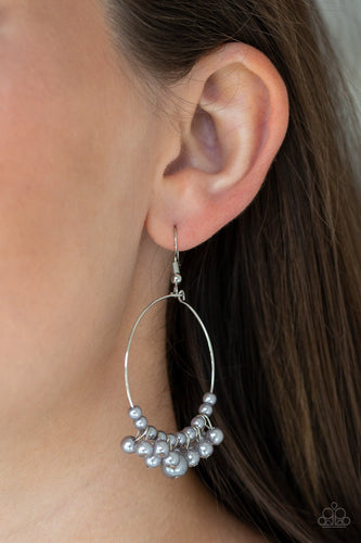 The PEARL-fectionist - silver - Paparazzi earrings
