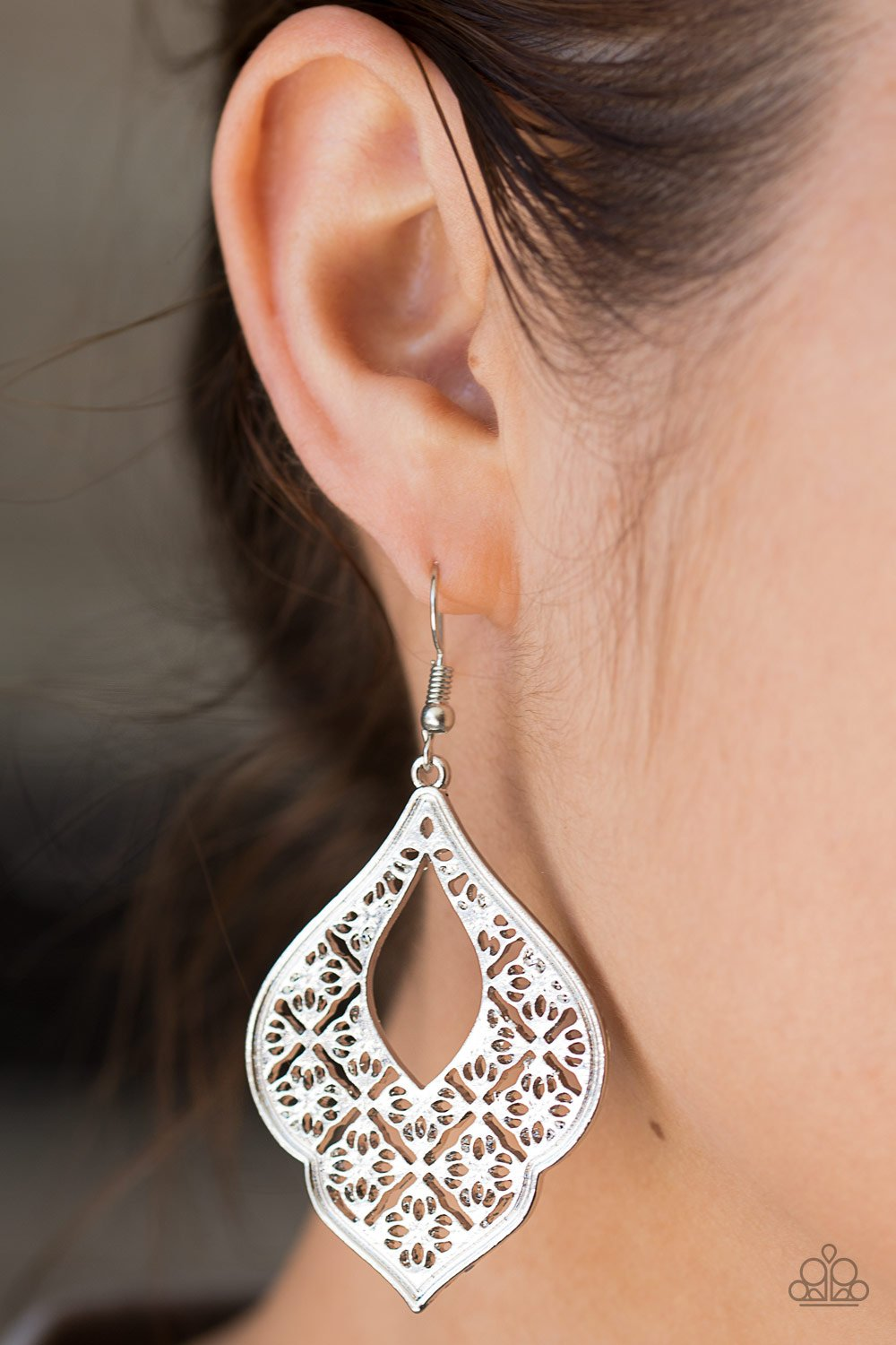 Totally Taj Majal - silver - Paparazzi earrings
