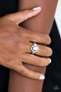 Upper Uptown - silver - Paparazzi ring