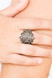 Victorian Valour - black - Paparazzi ring