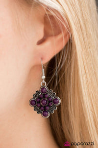Vintage Vibrato - Paparazzi earrings