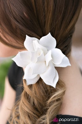 Wild Orchid - Paparazzi hair clip