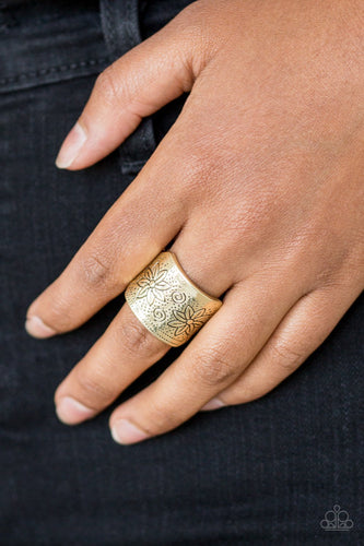 Wild Meadows-brass-Paparazzi ring