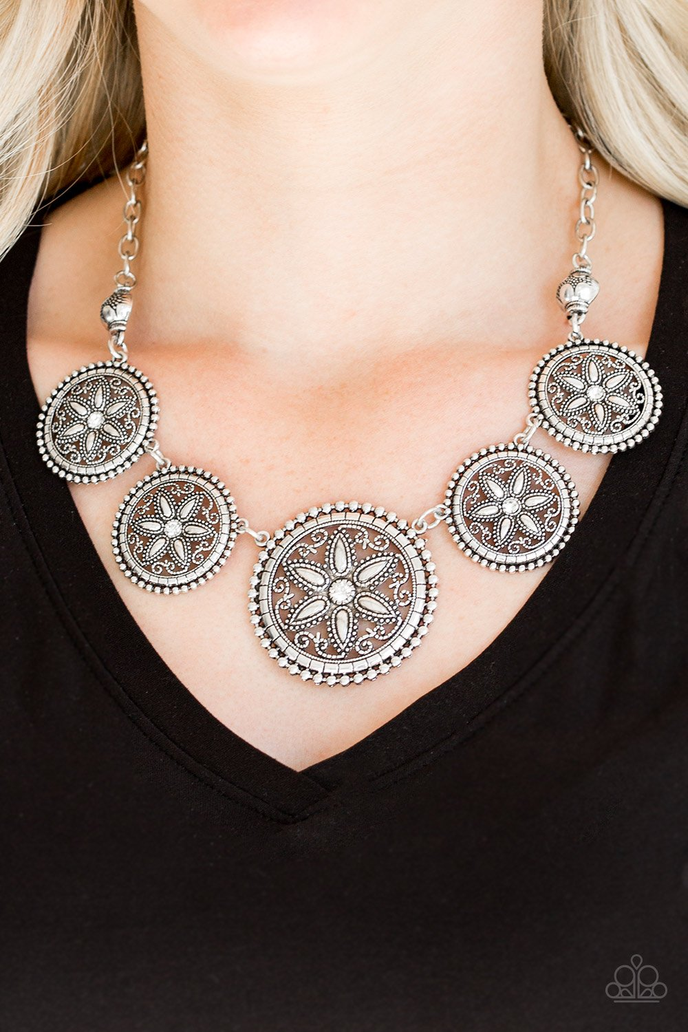 Written in the Star Lilies - white - Paparazzi necklace