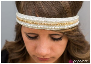 Queen of Pearls - Paparazzi headband