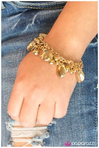 Like a Boss- gold - Paparazzi bracelet