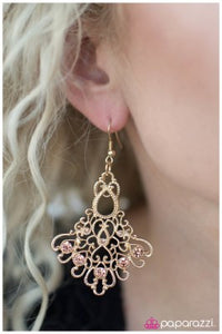 Not Just a Pretty Face - Paparazzi earrings