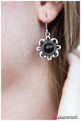 Our Song - Paparazzi earrings