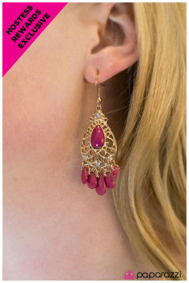 Queenie - Paparazzi earrings