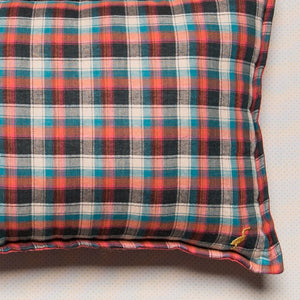 deco-cushion-teal-plaid-kids-bedroom-decor-2