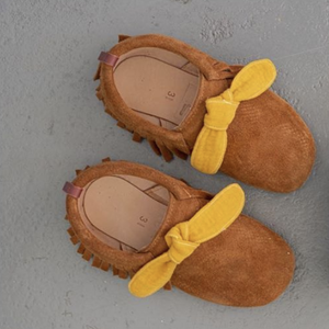 grace-baby-and-child_moleke-shoes_neoclassic-brown-with-mustard-bows-1