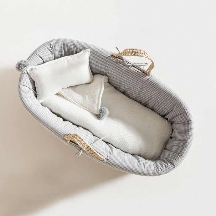 moses-basket-grey-vichy-grace-baby-and-child-newborn-up