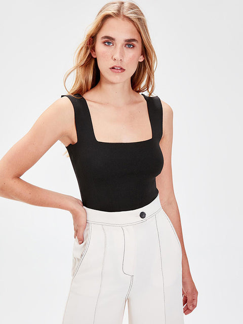 Sleeveless Square Neckline Black Thick Straps Tank Tops