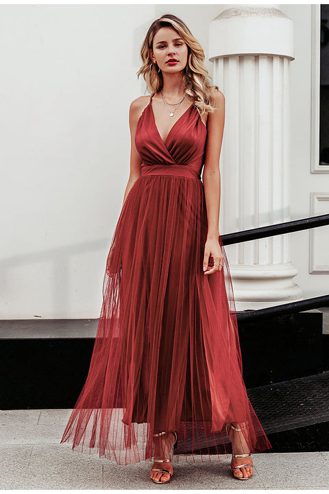 Elegant Floor-Length Spaghetti Strap V Neck Lace Dress for Women