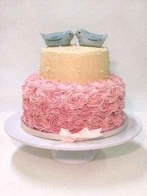 Roses and lovebirds cake
