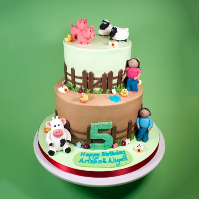 Farmyard buttercream cake 4