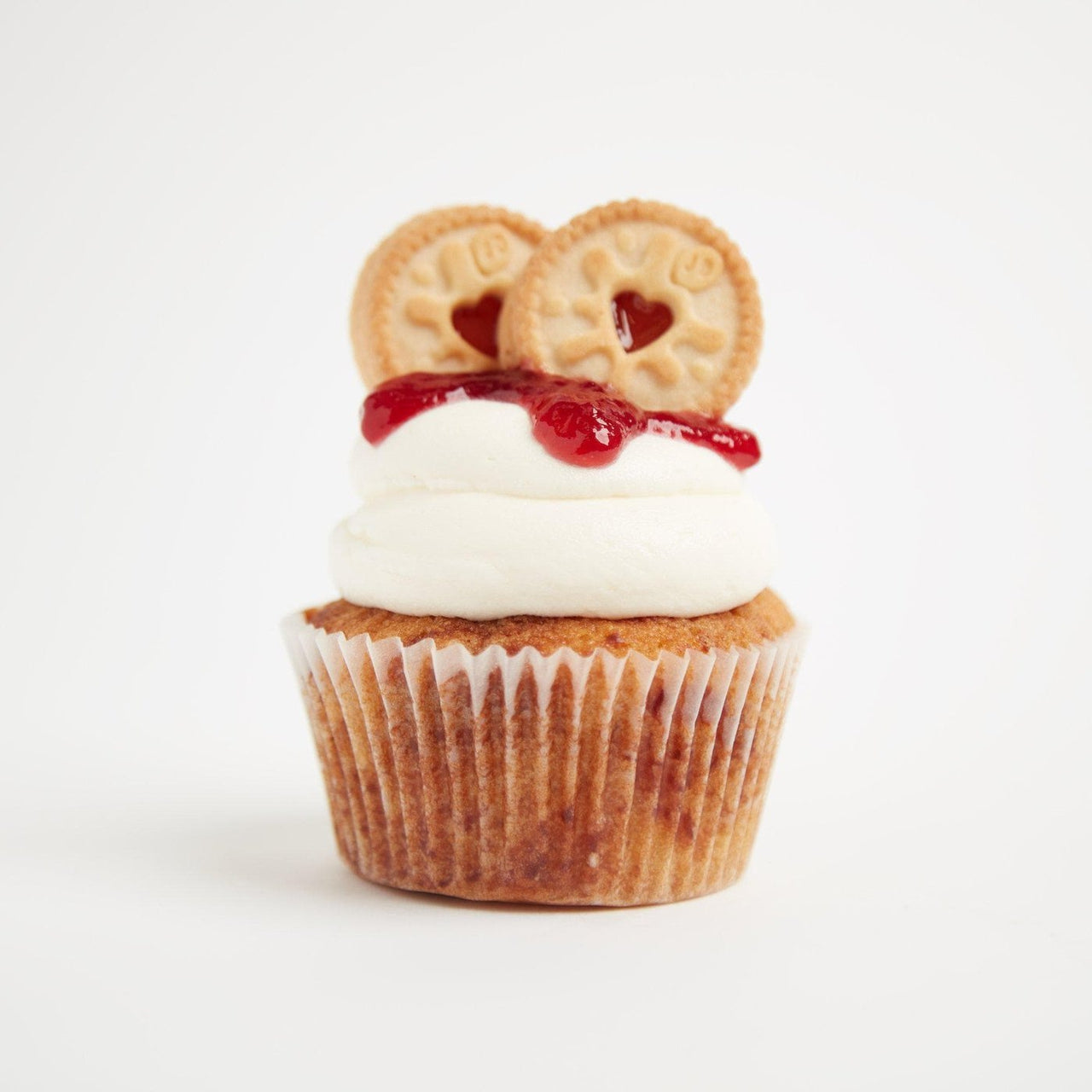 Jammy Dodger Cupcakes by Crumbs & Doilies