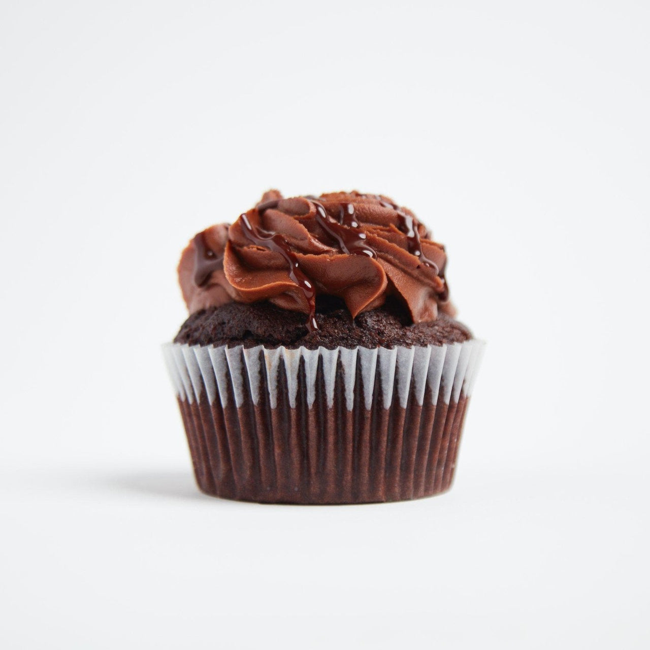 Vegan Chocolate Cupcakes by Crumbs & Doilies