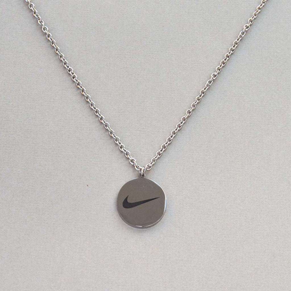 Swoosh Round Necklace (Silver)