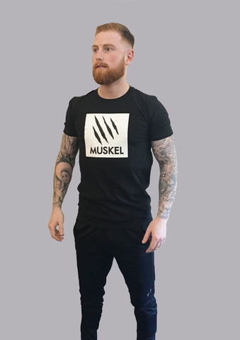 MONO Semi Fitted T Black
