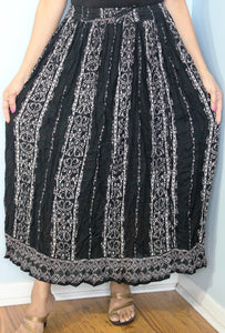 Broomstick Skirt ! Black and White Crinkle Rayon ! One Size, Fits Most ! Peasant Boho !!