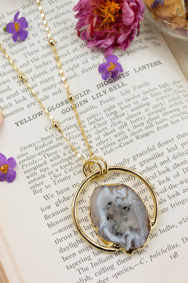 Full Agate Moon Necklace
