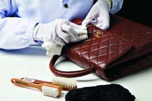 cleaning leather bag 4