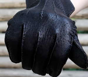 black alpamayo peccary gloves