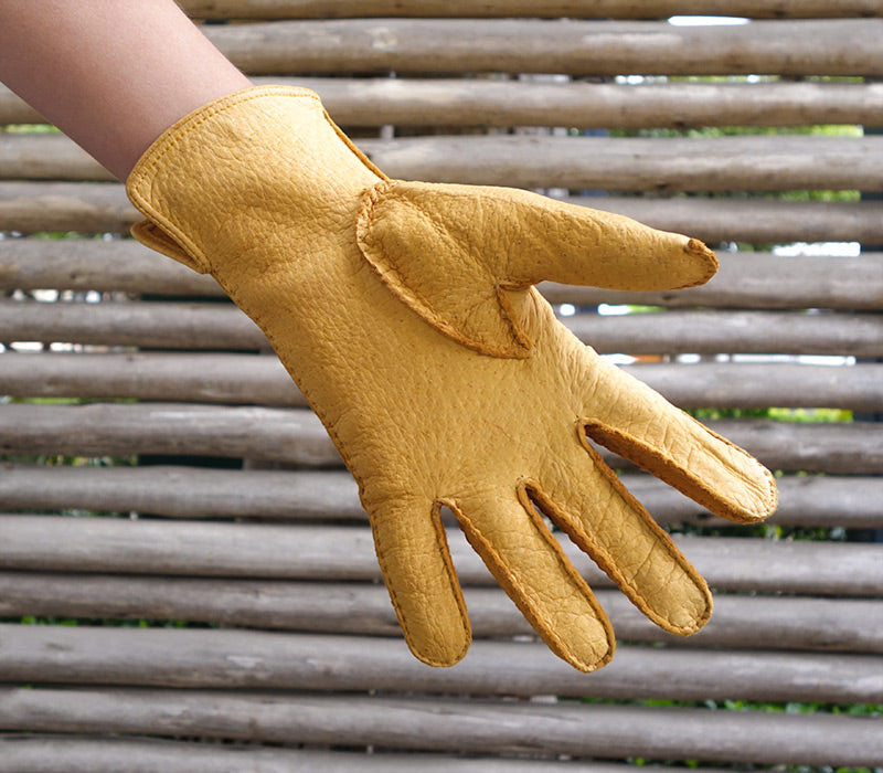 huascaran yellow peccary gloves