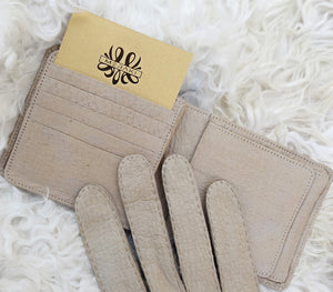 wallet gloves peccary details