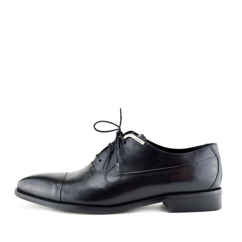 men's trim shoes