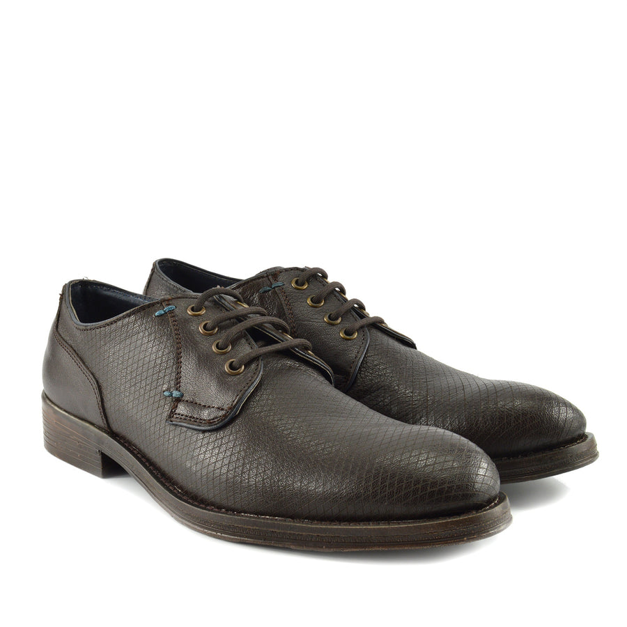 Yardley Textured Lace Up Leather Derby Shoes - Brown