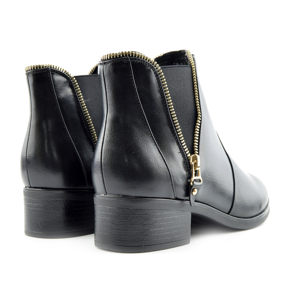 Rosie Classic Size Zip Detail Chelsea Boots - Black