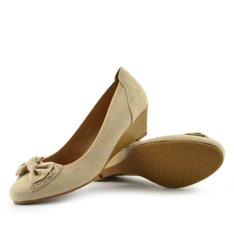 Low Bow Wedge Smart Shoes - Nude