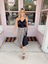 Load image into Gallery viewer, Side High-Low Leopard Wrap Skirt