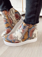 Load image into Gallery viewer, Snake Wedge Sneaker