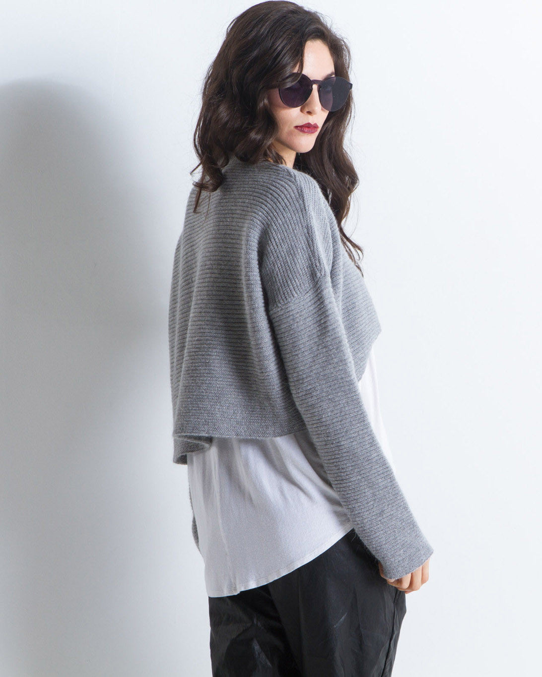 Grace Rounded Hi-Lo Cropped Sweater (Grey)