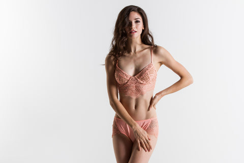 Women's Skivvies Bat Your Lashes Underwire Bra (Peach Quartz)